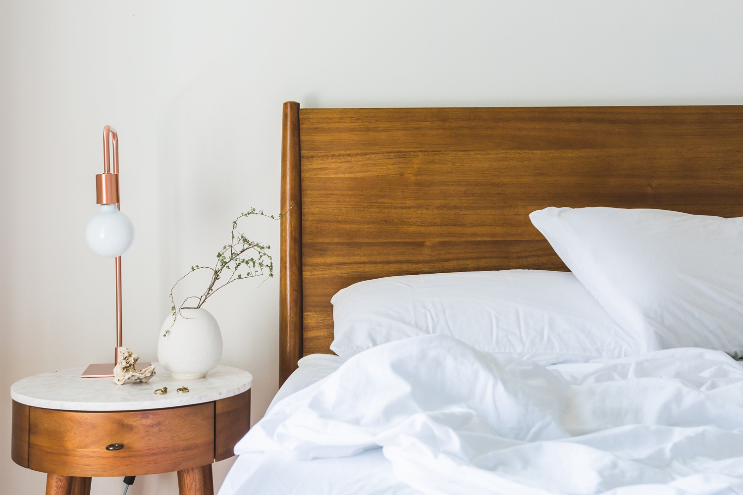 airbnb/stock bed